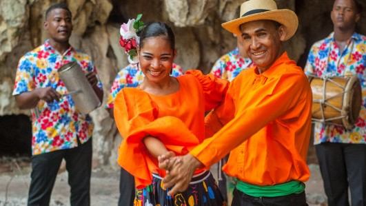 Taniec i muzyka z Dominikany  -
